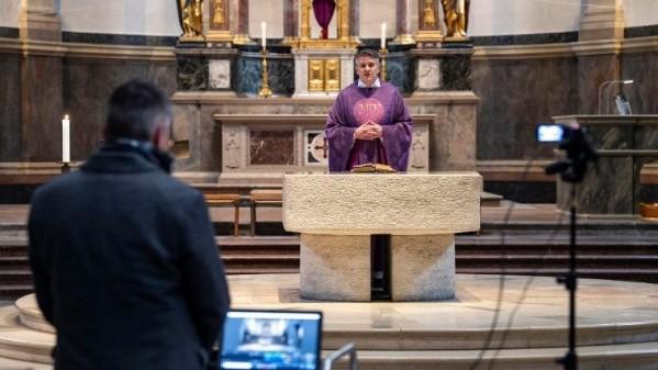 Tổng thống Đức cám ơn các giáo hội Kitô chống coronavirus