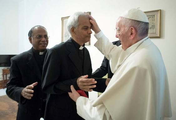 Cuộc gặp gỡ cảm động của cha Thomas Uzhunnalil với ĐGH Phanxicô