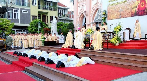 Linh mục trọn đời và trọn vẹn cuộc đời - Gm. Giuse Vũ Văn Thiên