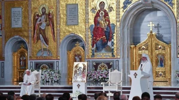ĐGH Phanxicô và các vị lãnh đạo Chính Thống Rumani cầu nguyện chung