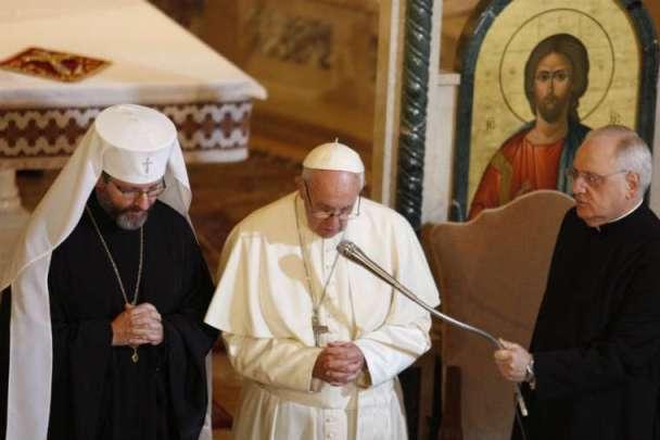ĐGH Phanxicô viếng thăm nhà thờ Thánh Sophia của Giáo hội Công giáo Hy Lạp Ukraina tại Roma