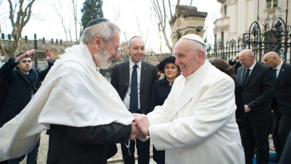 ĐGH Phanxicô và Rabbi ở Roma trao đổi lời chúc mừng lễ Phục Sinh và lễ Vượt Qua
