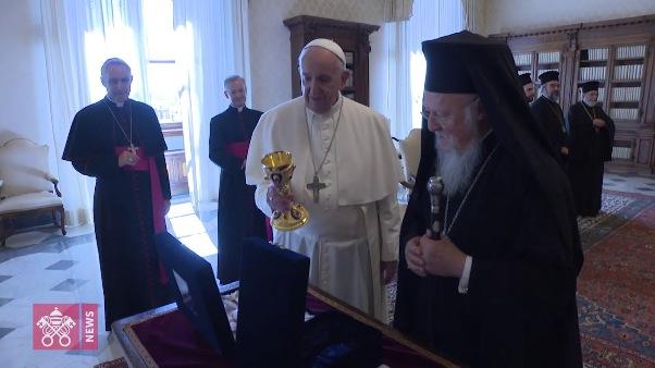 ĐGH Phanxicô gặp Đức Thượng Phụ Bartolomeo tại Vatican