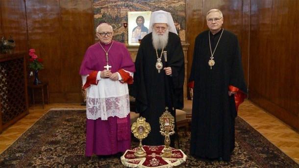 ĐGH tặng thánh tích hai thánh Clêmentê và Potito cho Giáo hội Chính thống Bulgari