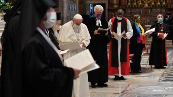 ĐGH nói trong giờ cầu nguyện đại kết: Chỉ có tình yêu là đường dẫn đến hòa bình và hiệp thông
