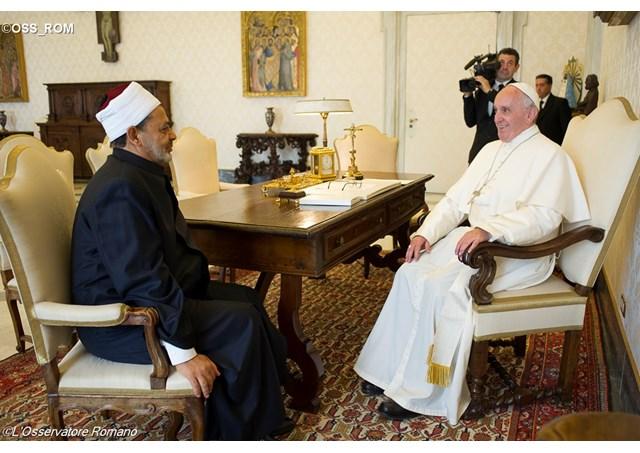 Đức Giáo hoàng Phanxicô tiếp kiến Imam của Thánh đường Al-Azhar