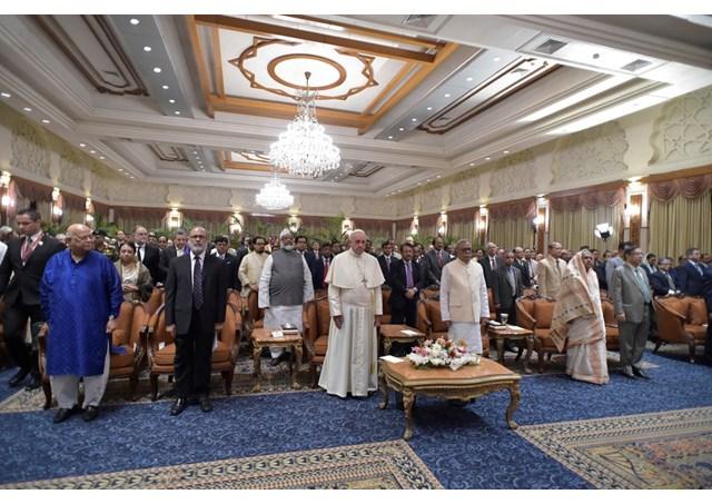 Đức Giáo hoàng gặp chính phủ và đại diện các giới ở Bangladesh
