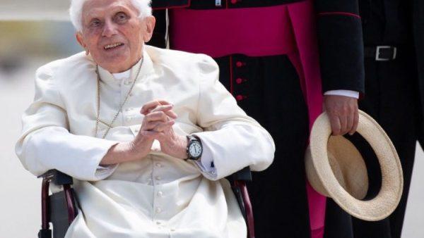 Đức nguyên Giáo hoàng Biển Đức XVI vẫn ``tràn đầy đam mê cuộc sống``