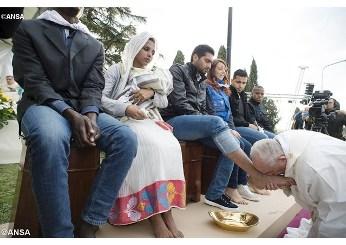 Thứ Năm Tuần Thánh: ĐTC Phanxicô cử hành nghi thức rửa chân ở một Trung tâm tị nạn