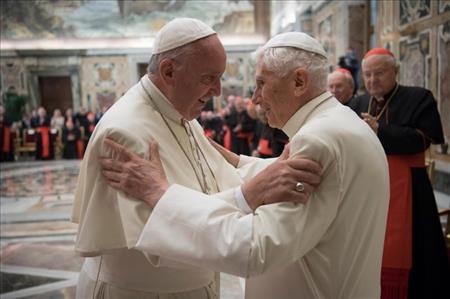Linh mục Lombardi nói về Đức Bênêđictô XVI bốn năm sau ngày từ nhiệm