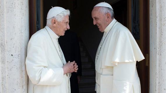 """Thần học gia Đức kêu gọi thiết lập quy tắc chính xác cho """"các vị Giáo hoàng nghỉ hưu"""" trong tương lai"""