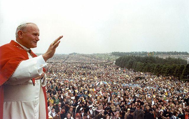 Kỷ niệm chuyến thăm Ireland của Đức Gioan Phaolô II