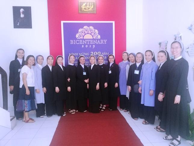 Niềm vui dự lễ kỷ niệm 200 năm Giáng sinh Đức Bab – Tôn giáo Baha'i