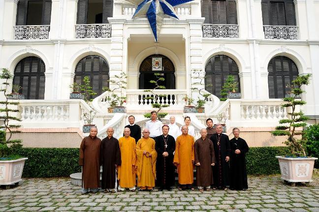 Ban Trị sự Phật giáo chúc mừng Giáng sinh 2018