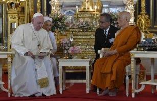 ĐGH Phanxicô viếng thăm Đức Tăng Thống Phật giáo Thái Lan