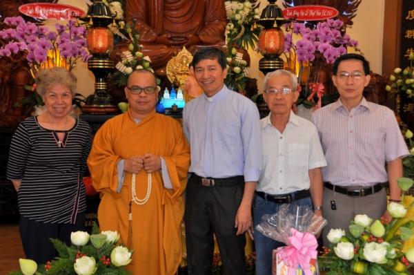 Giáo xứ Bàn Cờ: Chúc mừng Đại lễ Phật Đản