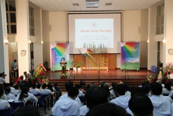 Niềm vui gặp gỡ tín đồ Tôn giáo Á Châu - Nữ tu Ái Thiên