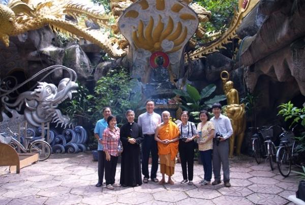 Gặp gỡ những tấm lòng nhân ái tại chùa Kỳ Quang II