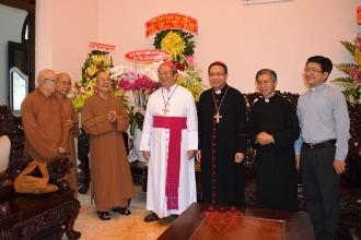 Ban Trị Sự Giáo Hội Phật Giáo VN tại TP.HCM chúc mừng lễ Giáng sinh