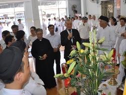 Ban MVĐTLT phúng viếng giáo sĩ Huệ Ý