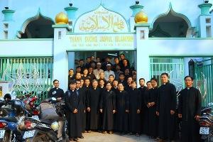 Chủng sinh và nữ tu gặp gỡ tín hữu Islam (22.3.2019)