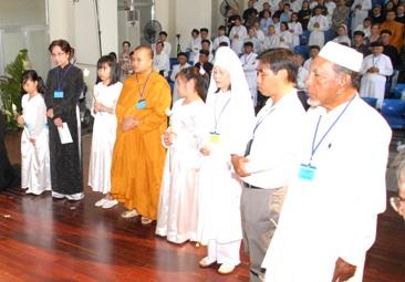 Hội ngộ Liên tôn 2012: Cùng nhau vượt qua khổ đau