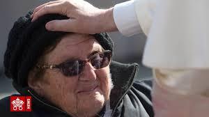 Một số khoảnh khắc cảm động trong 6 năm Giáo hoàng của ĐGH Phanxicô