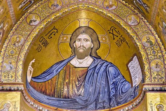 """""""Chúa Giêsu là Vua cả trời đất, nào ta hãy đến bái thờ Người"""""""