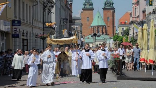 Hàng triệu người Ba Lan tham gia các cuộc rước kiệu Thánh Thể