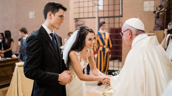 """HĐGM Thụy Sĩ chống dự án """"hôn nhân cho tất cả"""""""