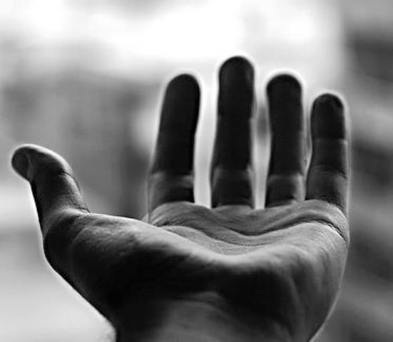 Anh giơ tay ra!: SN Tin Mừng thứ Tư tuần II TN C (23.01.2019)