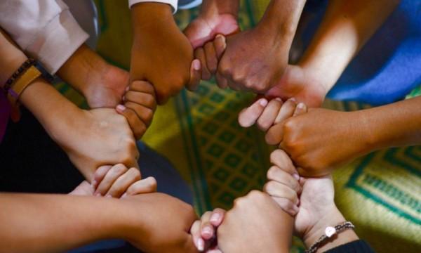 Đồng hành giúp người trẻ phát triển nhân cách trong thực trạng các vấn đề xã hội VN hôm nay