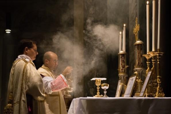 """Nên hiểu và áp dụng tự sắc Summorum Pontificum về việc dùng """"phụng vụ La-tinh cũ"""" thế nào cho đúng?"""