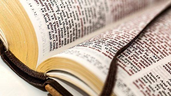 Cuốn Kinh Thánh 400 tuổi bị trộm ở Mỹ được tìm thấy ở Hà Lan