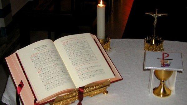 Vài dư âm Tự Sắc mới của ĐGH Phanxicô hạn chế Thánh Lễ theo nghi thức tiền Công Đồng