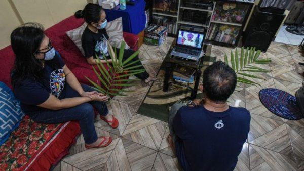 Kiến tạo không gian thánh trong khi tham dự thánh lễ online