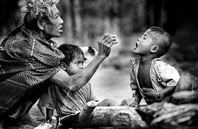 Sống lòng thương xót cách cụ thể