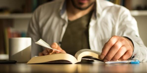 Bốn cách đọc Kinh Thánh người Công giáo cần biết