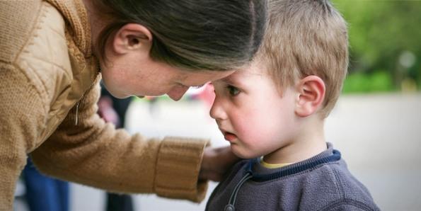 Bốn cụm từ về Chúa Giêsu mà bạn không bao giờ nên nói với con mình