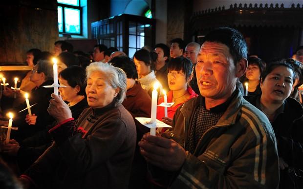 Nỗi đau của một linh mục blogger Trung Quốc khi Thánh giá bị bỏ