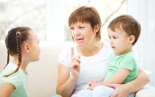 6 cách thức để trở nên một người lắng nghe tốt hơn trong gia đình bạn