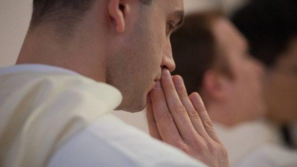 Tại sao một giáo xứ Hoa Kỳ trong 7 năm qua , mỗi năm đều có một tân linh mục?