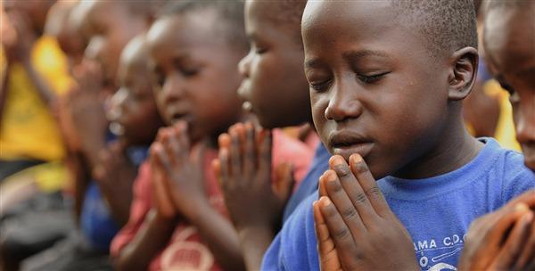 Cầu nguyện với con trẻ