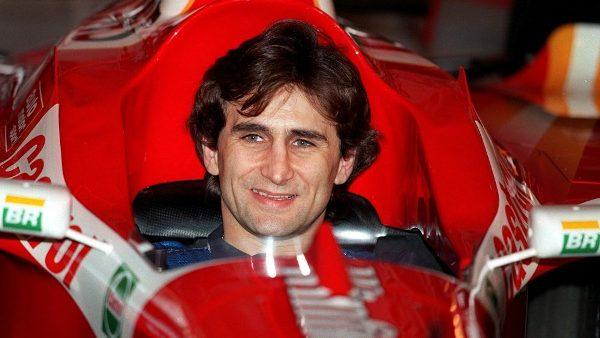 Cuộc đời của Alex Zanardi, một cựu tay đua F1, nhà vô địch Paralympic và một mẫu gương sống không lùi bước