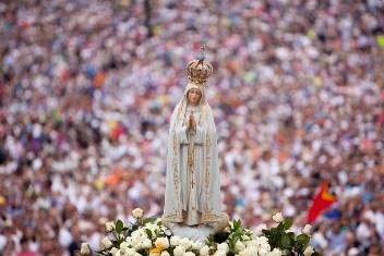 Tượng Đức Mẹ Fatima thánh du châu Á
