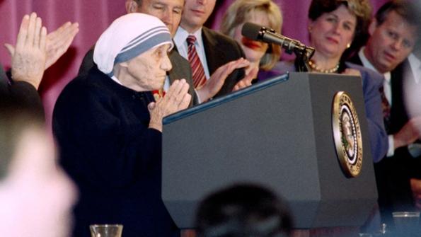 Khi Mẹ Thánh Têrêsa Calcutta dám nói với một Tổng thống Mỹ rằng phá thai là tội giết người