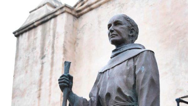 Giám mục giáo phận Sacramento phê bình việc lật đổ tượng thánh Junipero Serra