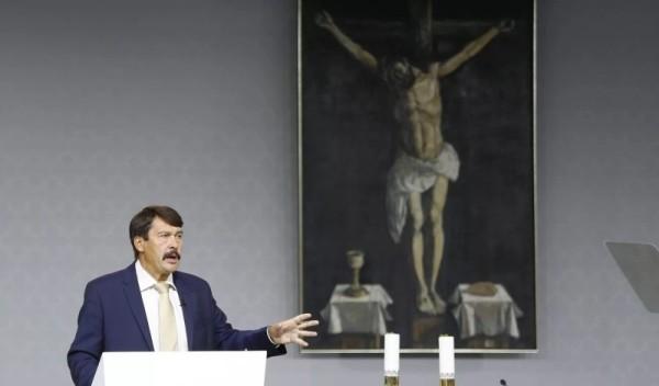 Tổng thống nước Hungary làm chứng về đức tin tại Đại hội Thánh Thể Quốc tế