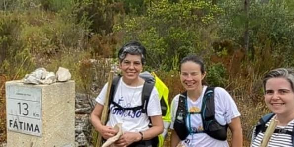 Hai nữ tu đi bộ 150km để cầu nguyện cho ơn gọi