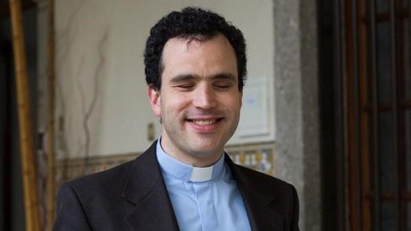 Người mù đầu tiên ở Bồ Đào Nha trở thành linh mục